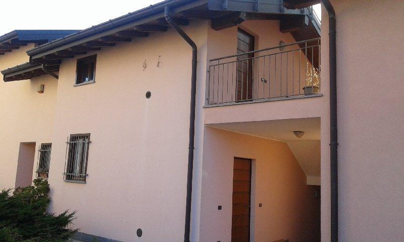 Appartamento in affitto a Albizzate, 2 locali, prezzo € 390 | Cambio Casa.it