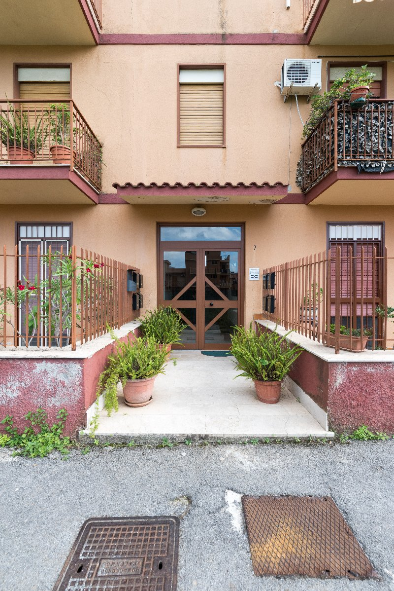 Appartamento vendita PALERMO (PA) - 3 LOCALI - 100 MQ