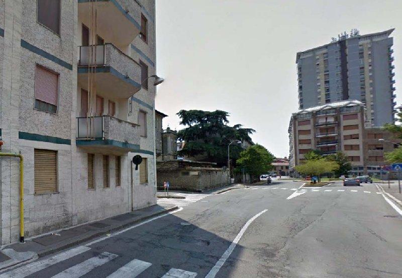 Ufficio / Studio in affitto a Busto Arsizio, 2 locali, zona Zona: Centro, prezzo € 480 | CambioCasa.it
