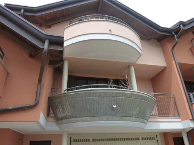 Appartamento in vendita a Oggiona con Santo Stefano, 8 locali, prezzo € 258.000 | CambioCasa.it