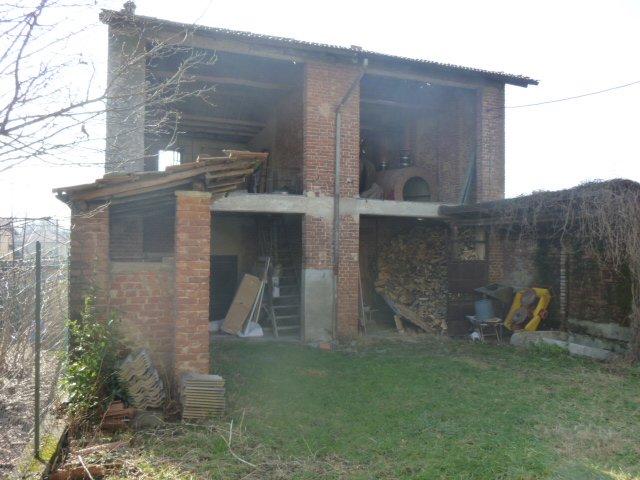 Rustico / Casale in vendita a Sumirago, 12 locali, prezzo € 120.000 | CambioCasa.it
