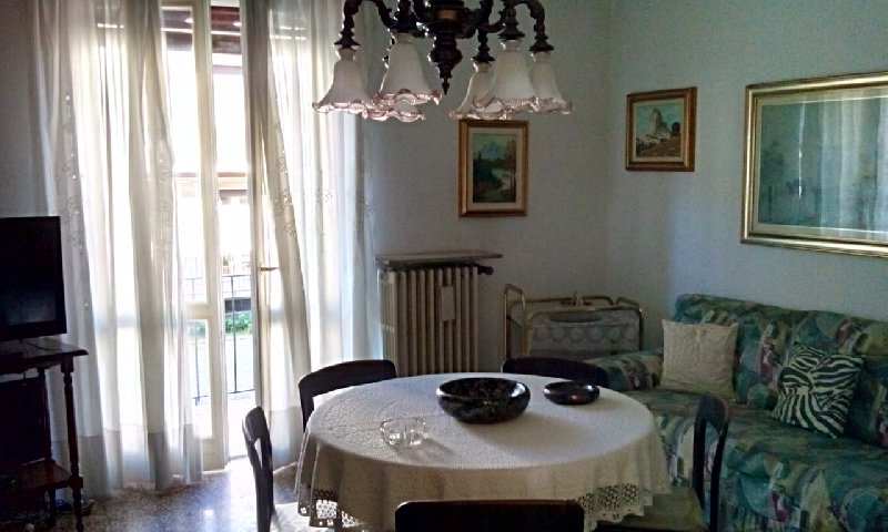 Appartamento in vendita a Jerago con Orago, 5 locali, prezzo € 62.000 | Cambio Casa.it
