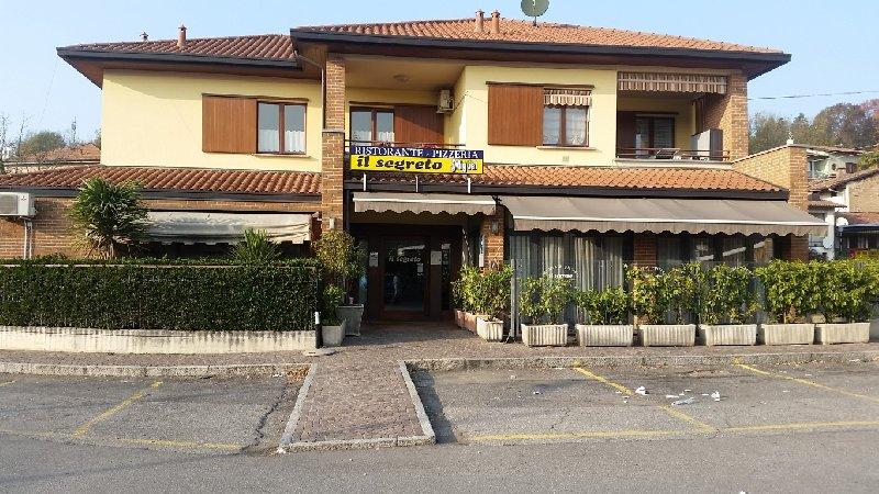 Ristorante / Pizzeria / Trattoria in vendita a Cantello, 3 locali, zona Zona: Gaggiolo, prezzo € 600.000 | CambioCasa.it