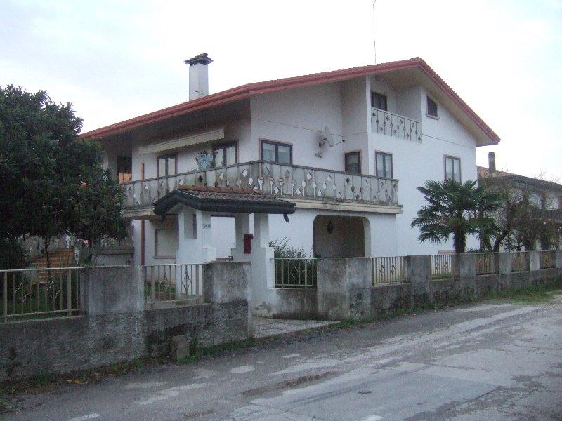 Villa in vendita a Marcon, 8 locali, zona Zona: Praello, prezzo € 195.000 | Cambio Casa.it