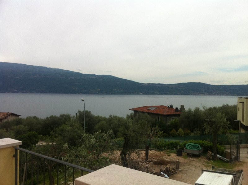 Villa in vendita a Toscolano-Maderno, 6 locali, zona Zona: Gaino, prezzo € 700.000 | Cambio Casa.it