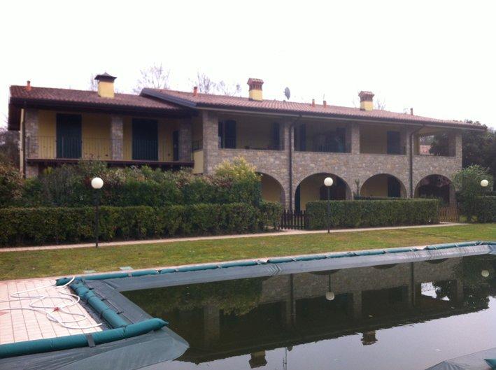 Appartamento in vendita a San Felice del Benaco, 3 locali, prezzo € 210.000 | Cambio Casa.it