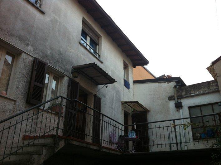 Soluzione Indipendente in vendita a San Felice del Benaco, 5 locali, prezzo € 190.000 | Cambio Casa.it