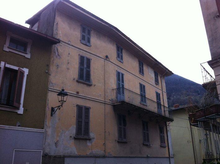 Palazzo / Stabile in vendita a Vestone, 12 locali, prezzo € 65.000 | Cambio Casa.it