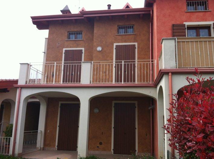 Appartamento in vendita a Puegnago sul Garda, 3 locali, zona Zona: Raffa, prezzo € 150.000 | Cambio Casa.it