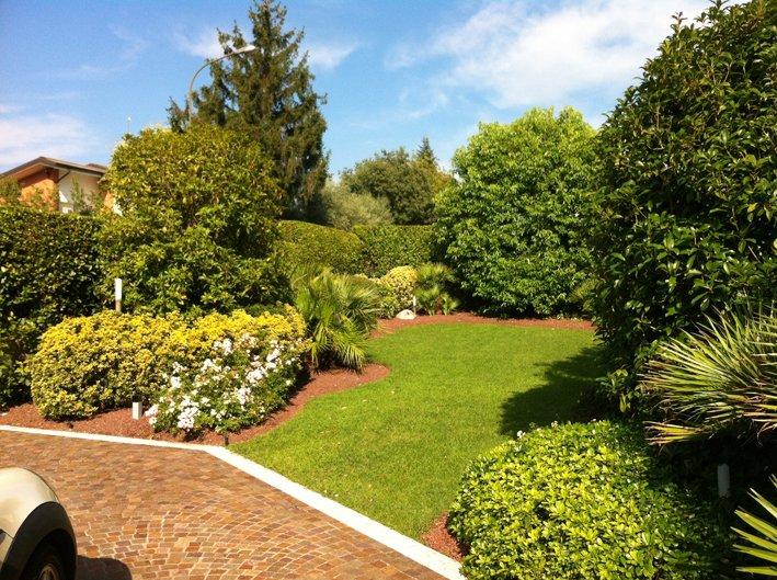 Villa Bifamiliare in vendita a San Felice del Benaco, 7 locali, zona Zona: Portese, prezzo € 460.000 | Cambio Casa.it