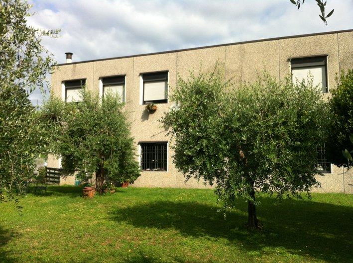 Immobile Commerciale in vendita a San Felice del Benaco, 9999 locali, prezzo € 380.000 | Cambio Casa.it