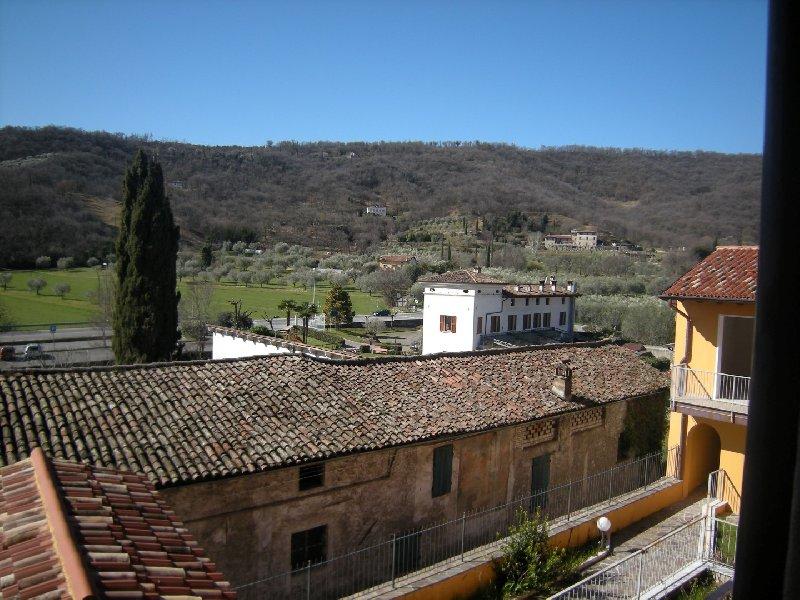Appartamento in vendita a Salò, 4 locali, zona Zona: Villa, prezzo € 115.455 | Cambio Casa.it