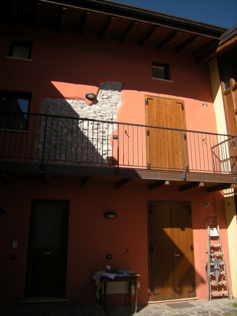 Appartamento in vendita a Salò, 3 locali, zona Zona: Villa, prezzo € 64.663 | Cambio Casa.it