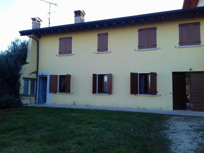 Appartamento in affitto a San Felice del Benaco, 4 locali, prezzo € 600 | Cambio Casa.it