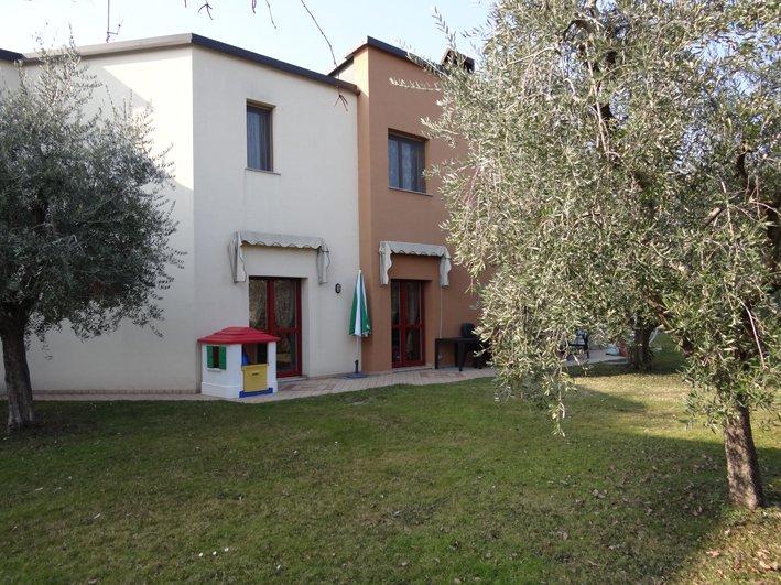 Villa a Schiera in Vendita a San Felice del Benaco