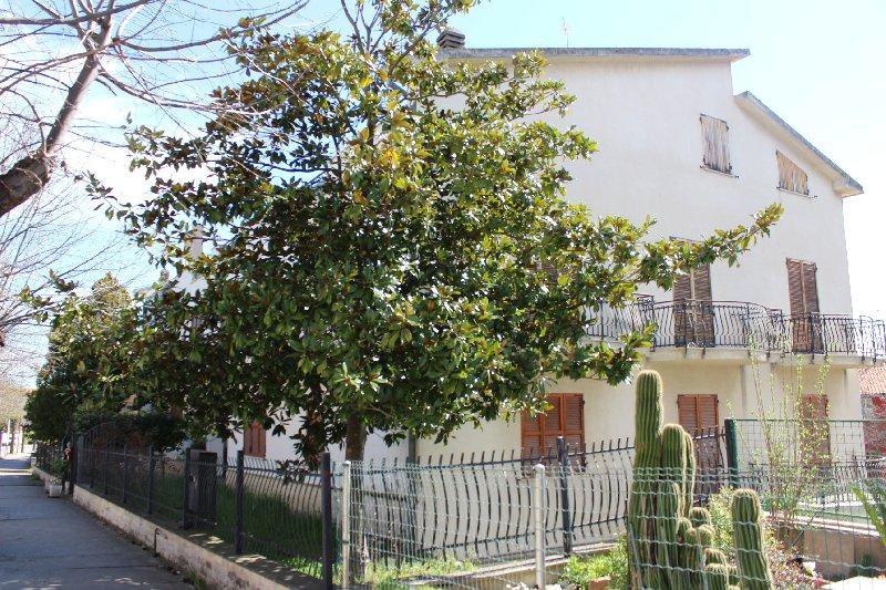 Appartamento vendita CUPELLO (CH) - 7 LOCALI - 190 MQ