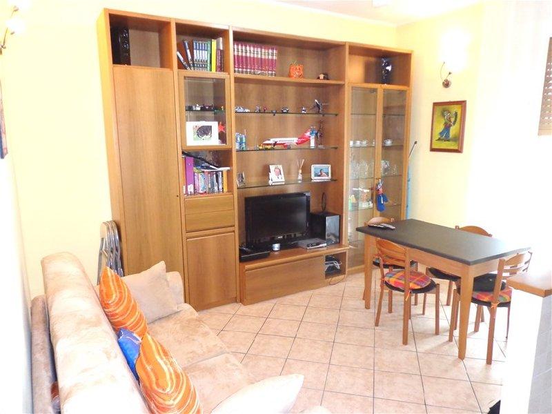 Appartamento in vendita a Lainate, 2 locali, zona Zona: Barbaiana, prezzo € 109.000 | Cambio Casa.it
