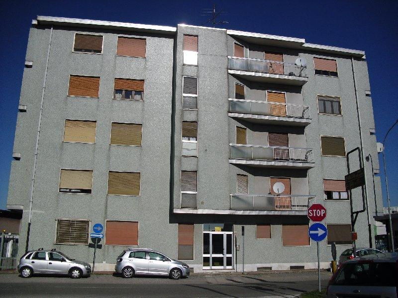Bilocale Lainate Via Varese 6 11