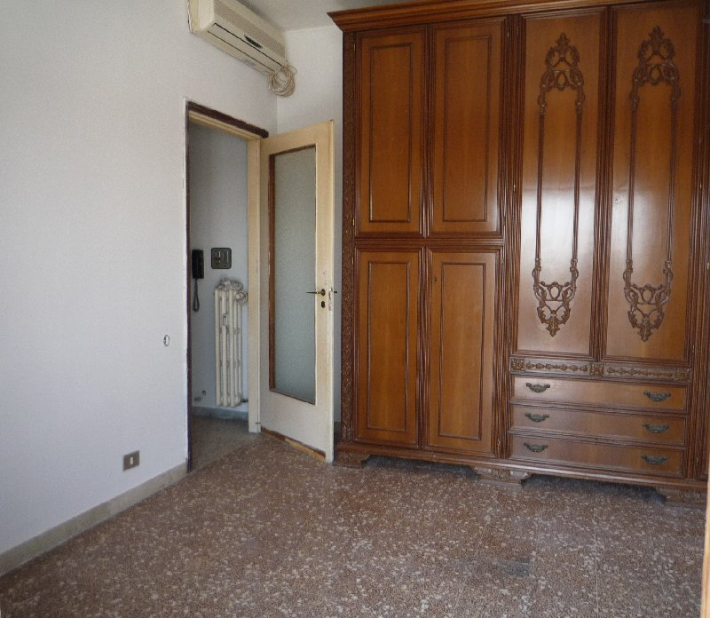 Bilocale Lainate Via Varese 6 5