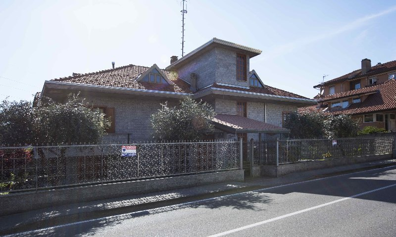 Villa in vendita a Canegrate, 5 locali, prezzo € 599.000 | Cambio Casa.it