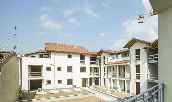 Appartamento in vendita a Caronno Pertusella, 3 locali, prezzo € 210.000 | Cambio Casa.it
