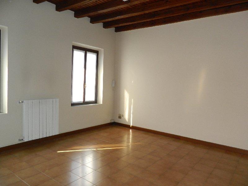 Bilocale Parabiago Via Roma 6 4