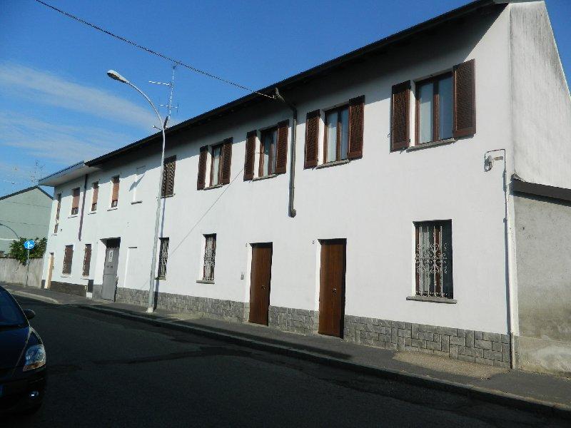 Bilocale Parabiago Via Roma 6 2