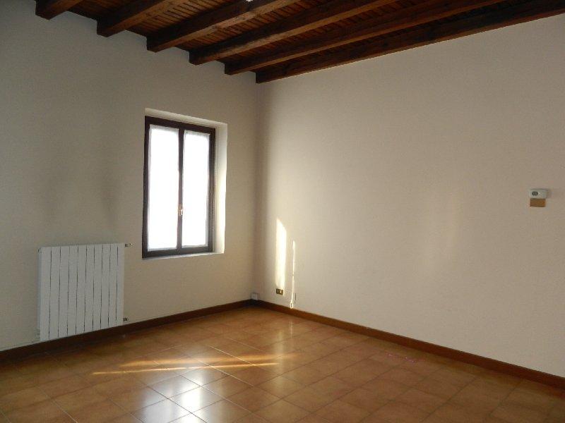 Bilocale Parabiago Via Roma 6 7