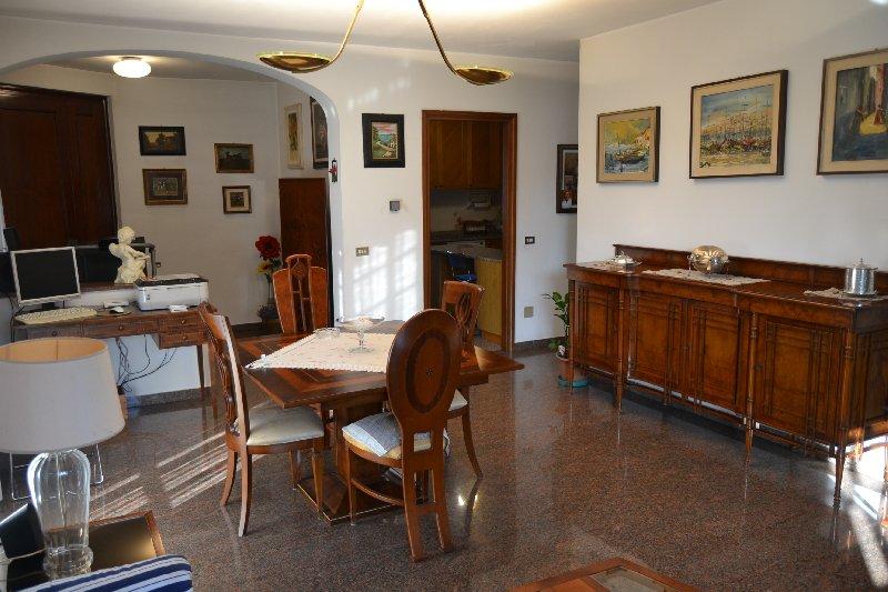 Villa in Vendita a Marcallo con Casone