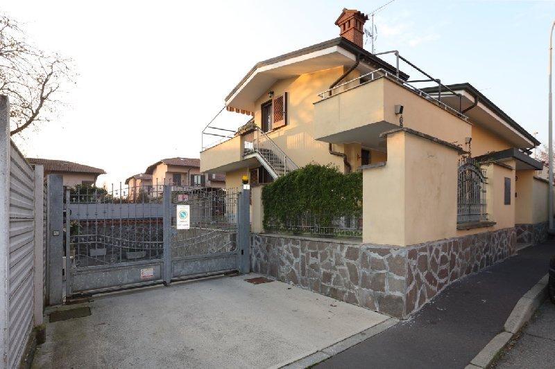 Villa Bifamiliare in Vendita a Sedriano