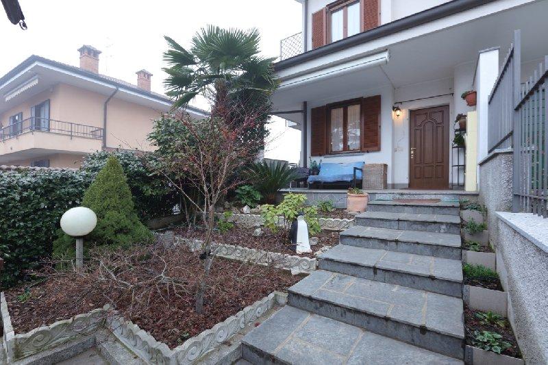 Villa Bifamiliare in Vendita a Arluno