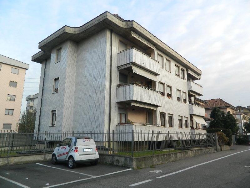 Appartamento in affitto a Rho, 3 locali, prezzo € 670 | CambioCasa.it
