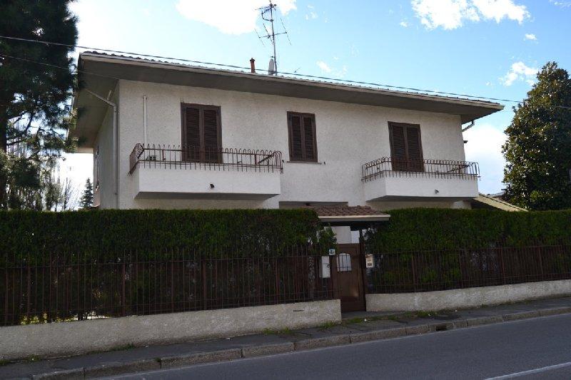 Villa in vendita a San Giorgio su Legnano, 4 locali, prezzo € 369.000 | Cambio Casa.it