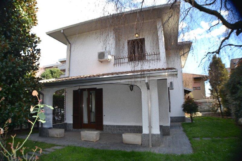 Villa in Vendita a San Giorgio su Legnano