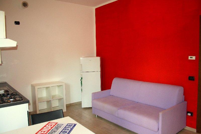 Appartamento in vendita a Rho, 2 locali, prezzo € 93.000 | Cambio Casa.it