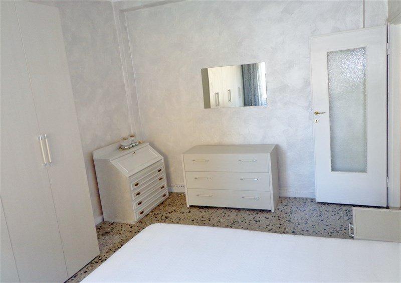 Bilocale Arese Via Roma 37 9