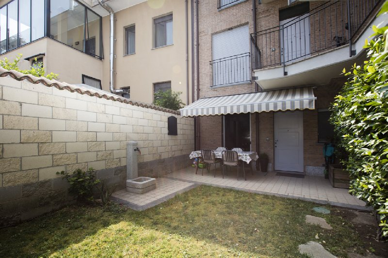Bilocale Novate Milanese Via Cavour 2