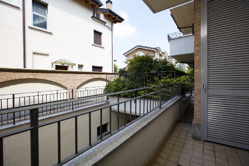 Bilocale Novate Milanese Via Cavour 11