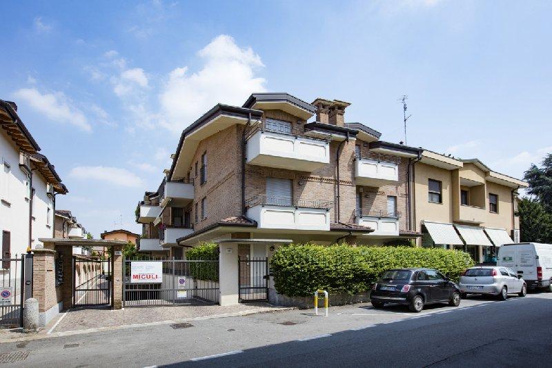 Bilocale Novate Milanese Via Cavour 1