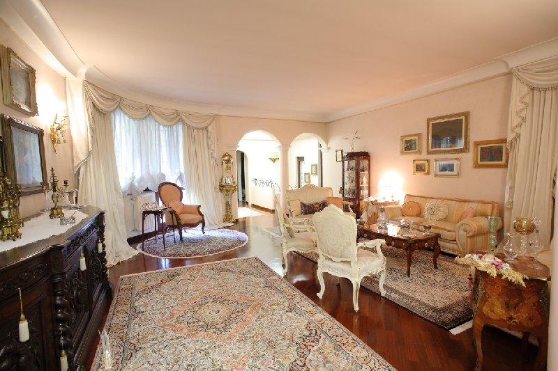 Villa in Vendita a Lainate