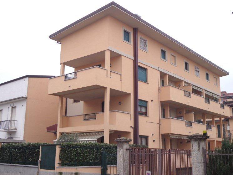 Appartamento in affitto a Garbagnate Milanese, 2 locali, prezzo € 600 | Cambio Casa.it