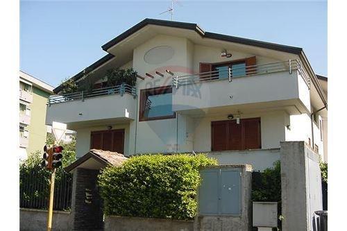 Appartamento in affitto a San Giorgio su Legnano, 2 locali, prezzo € 600 | Cambio Casa.it
