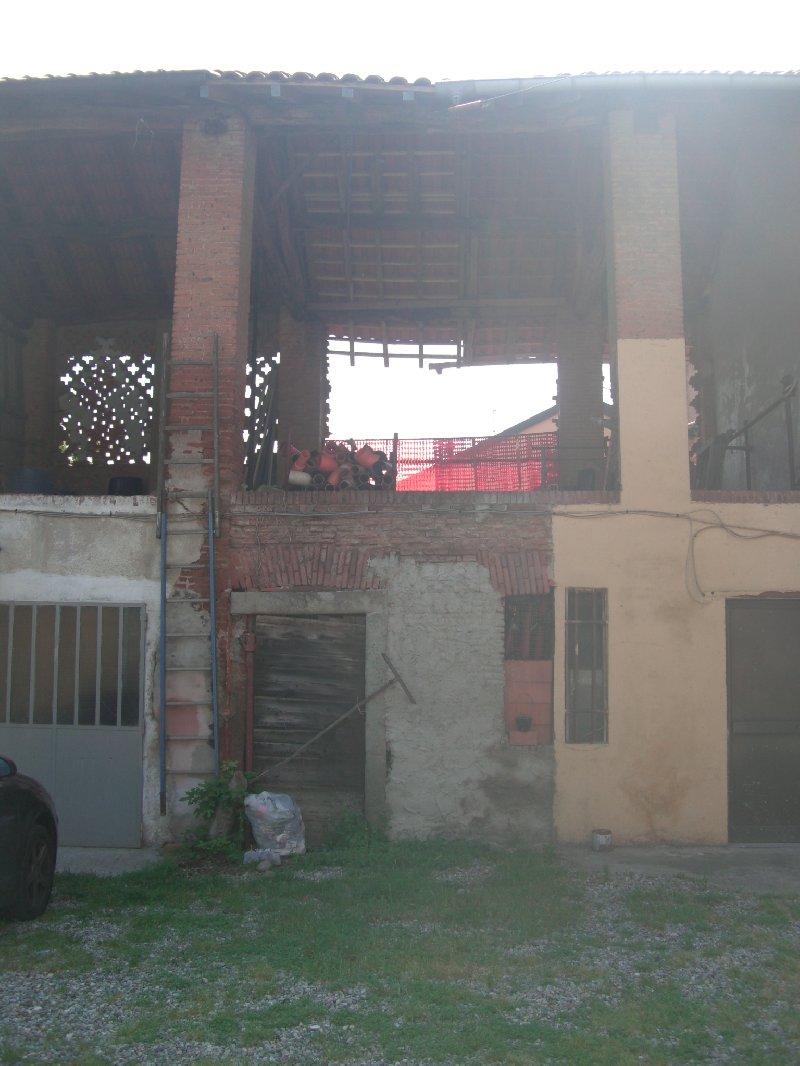 Rustico / Casale in vendita a Cornaredo, 2 locali, prezzo € 27.000 | CambioCasa.it