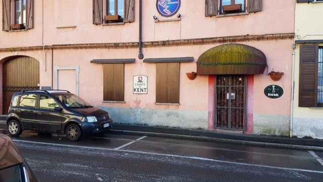Negozio / Locale in affitto a Gorla Maggiore, 2 locali, prezzo € 800 | Cambio Casa.it