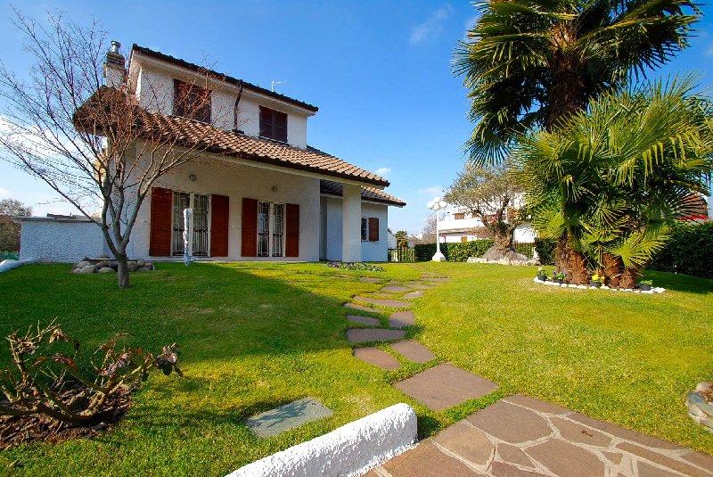 Villa in Vendita a Baranzate
