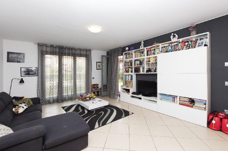 Appartamento in vendita a Rho, 3 locali, prezzo € 295.000 | CambioCasa.it