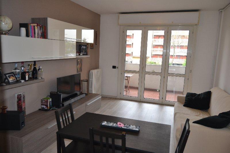 Appartamento in vendita a Milano, 3 locali, zona Zona: 14 . Lotto, Novara, San Siro, QT8 , Montestella, Rembrandt, prezzo € 240.000 | CambioCasa.it