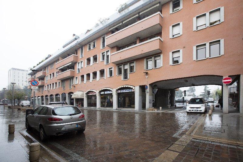 Negozio / Locale in affitto a Rho, 1 locali, prezzo € 1.600 | Cambio Casa.it