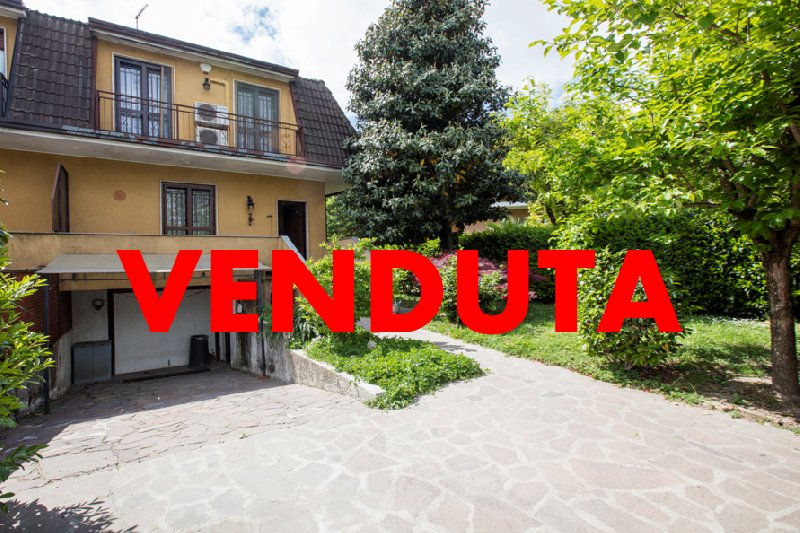 Villa in Vendita a Trezzano sul Naviglio