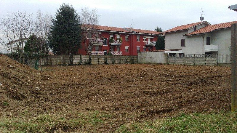 Terreno Edificabile Residenziale in Vendita a Arluno